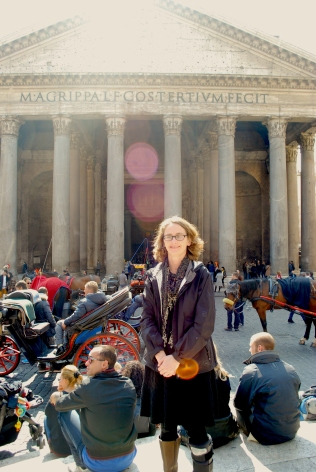 Angie in front of Pantheon